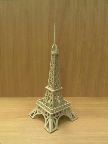 Эйфелева башня.  Категория.  Выпиливание лобзиком.  Просмотров: 4365 Автор: Shark.  21:43.